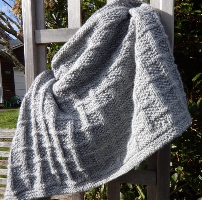 Lattice baby blanket